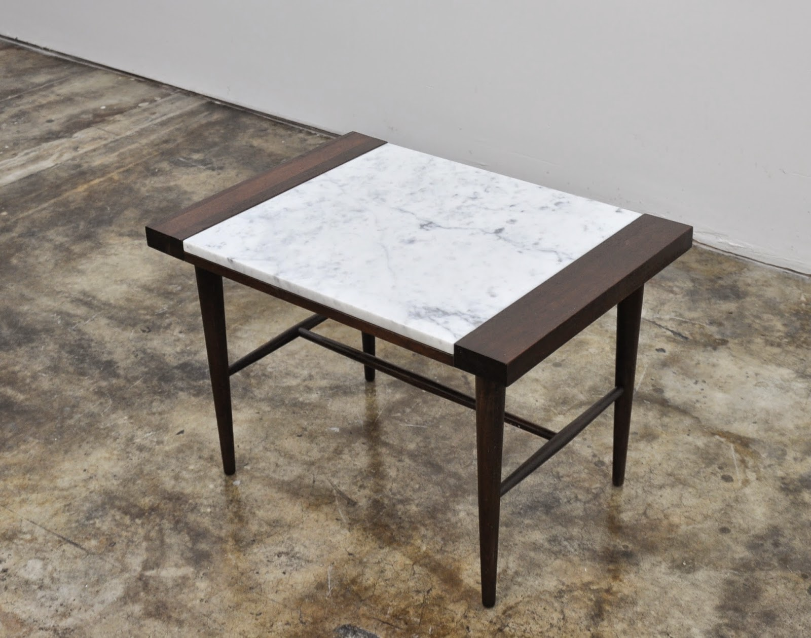 Select modern danish modern marble top side or end table for Table carrera