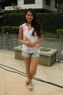 Sarah Lahbati 4