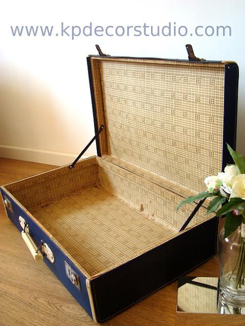 Comprar maletas antiguas para decoración vintage. Productoras y decoradores en valencia