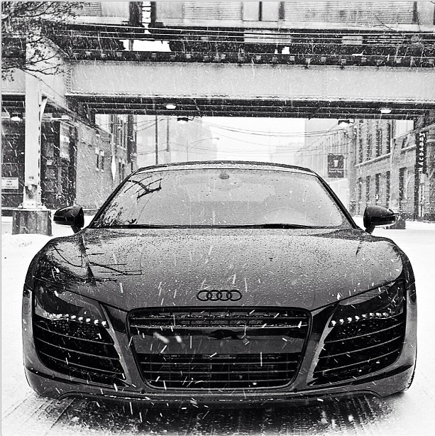 murdered out cars murdered out audi r8 in the snow. Black Bedroom Furniture Sets. Home Design Ideas