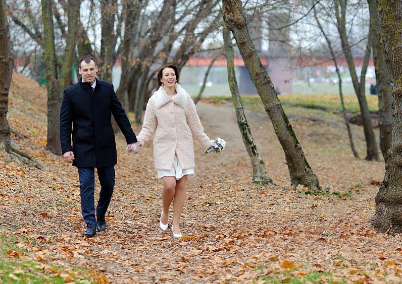 vestuvių fotosesija parke rudenį Kaune