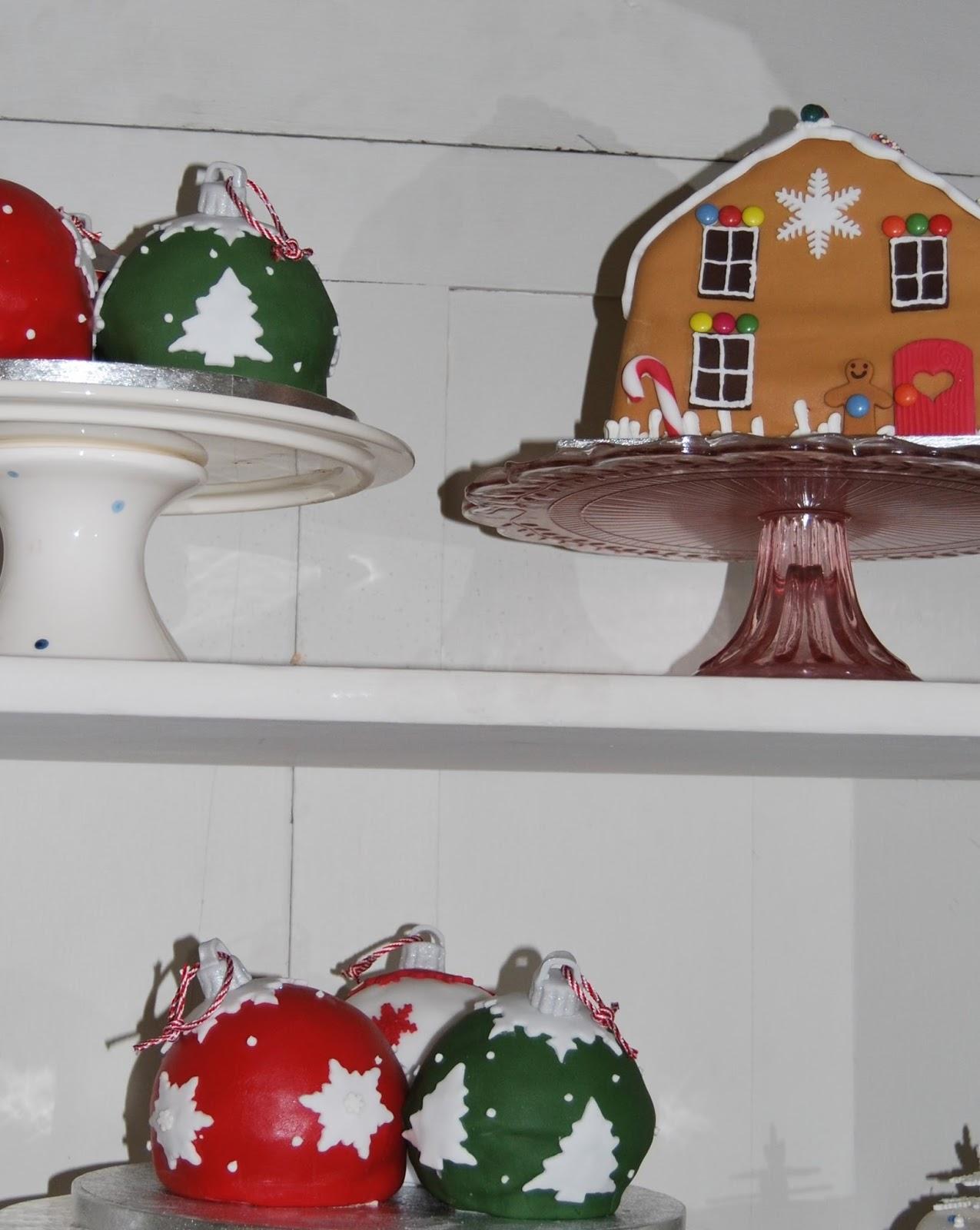 Christmas pudding, Waitrose Christmas 2015, photo by ModernBricaBrac