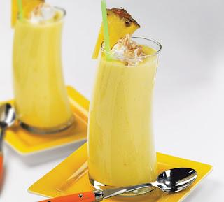 http://1.bp.blogspot.com/-EDKtUywktR8/TpaQUNn_n1I/AAAAAAAACMs/sTtvmuzjKvo/s1600/Pineappl+juice7.jpg