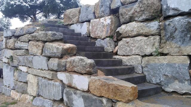 Muros de piedra barcelona - Muros de piedra natural ...