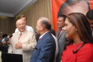 Amable Aristy Castro formaliza su respaldo a candidatura presidencial   de  Hipólito Mejía