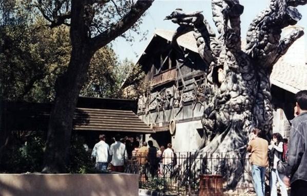 la casa del terror del parque de atraccion: