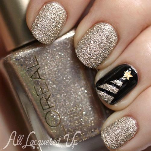 Świąteczna złota choinka na paznokciach