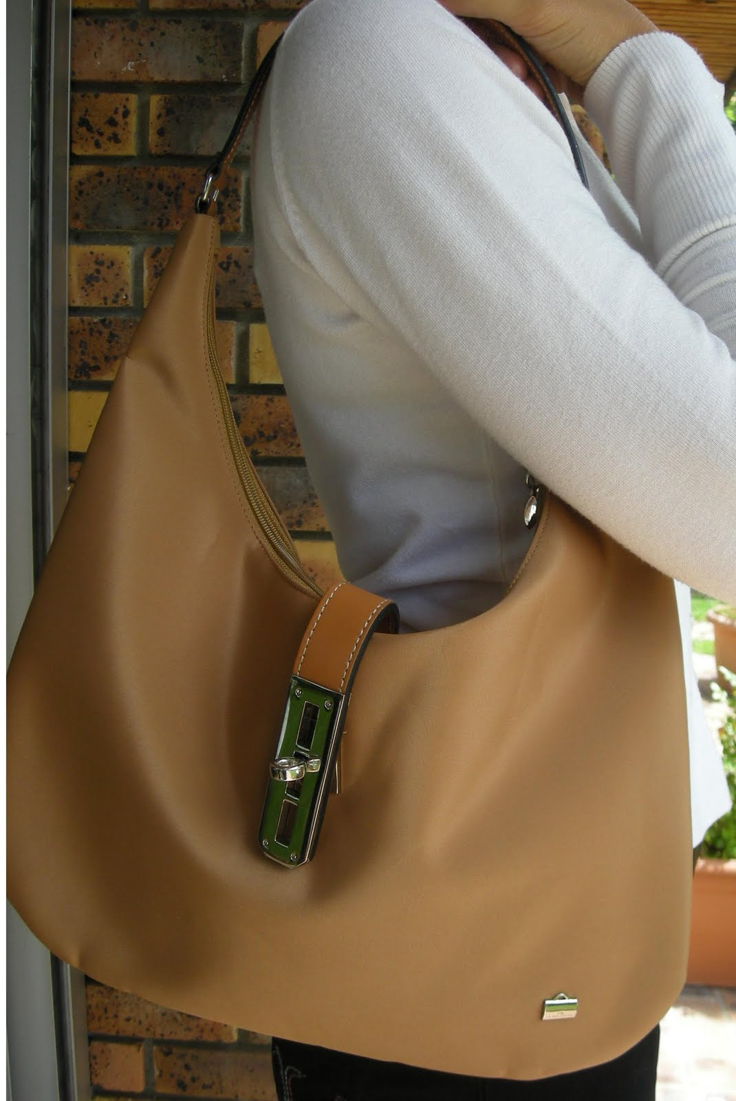 marque pas cher dans vide dressing de Flora : LA BAGAGERIE - Sac à main