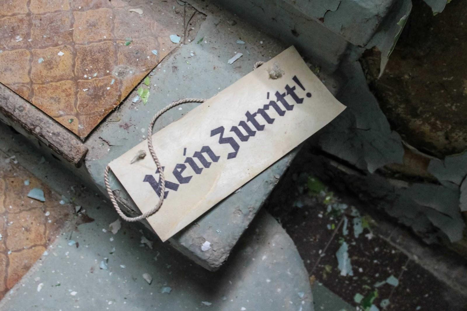 new look abandoned berlin. Black Bedroom Furniture Sets. Home Design Ideas