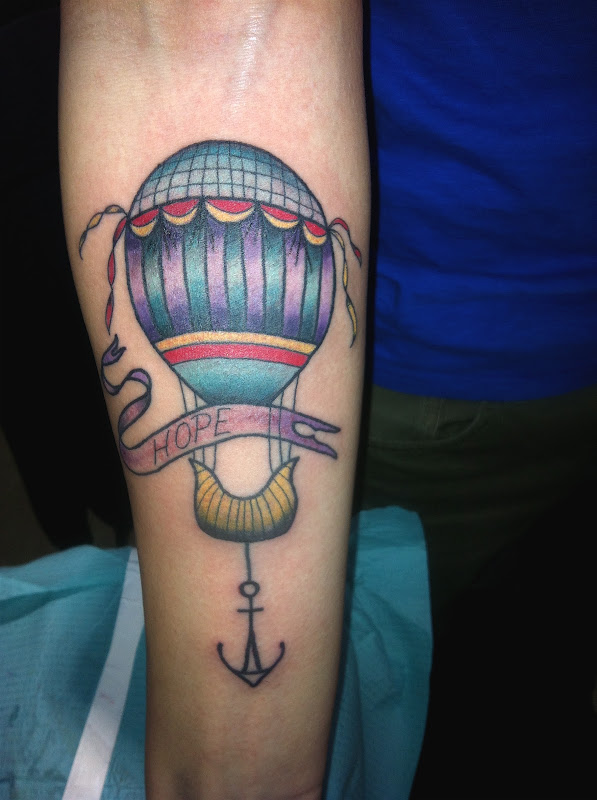 Hot air balloon tattoo for Nate who travelled all the way from Albany. title=