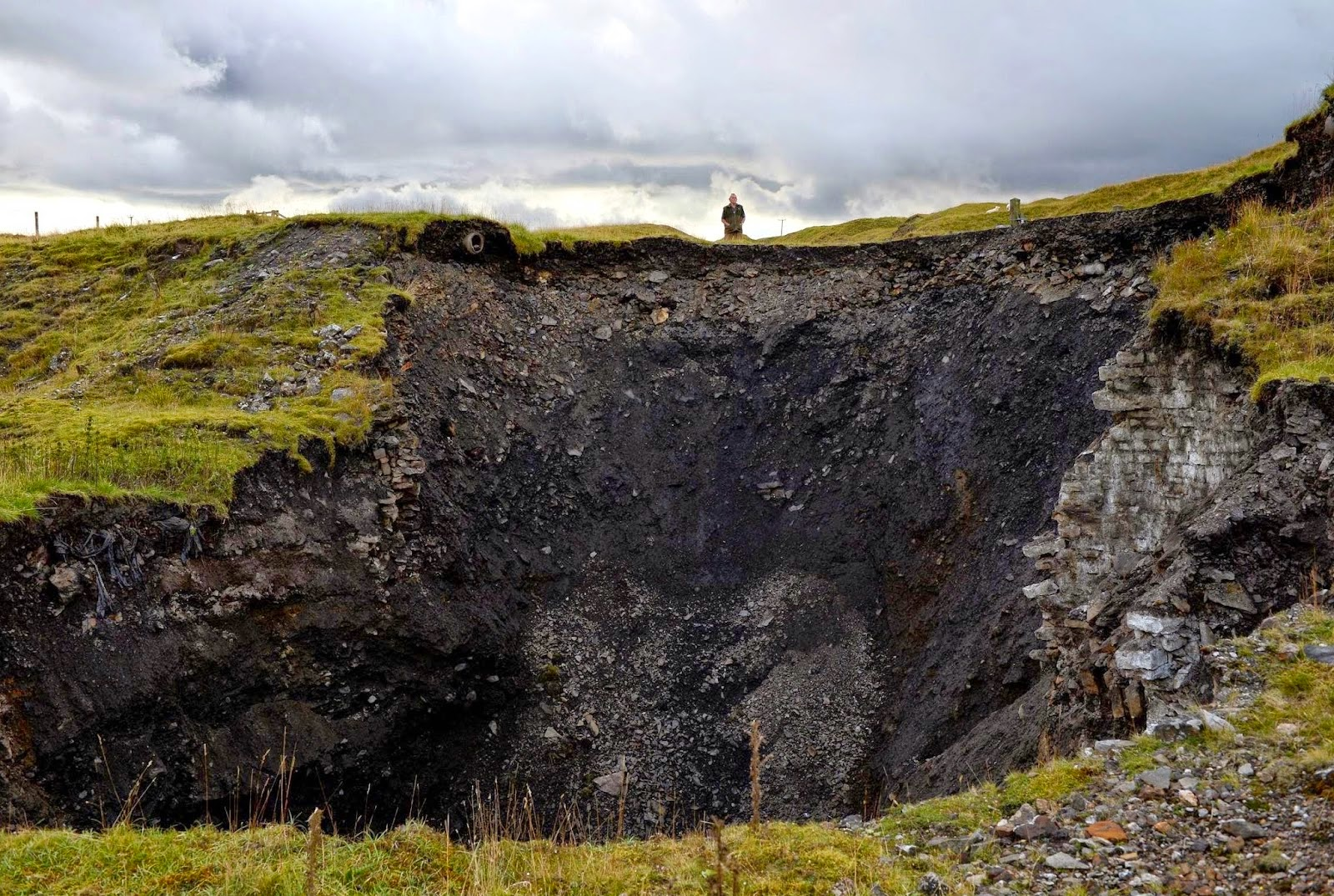 http://sciencythoughts.blogspot.co.uk/2014/08/giant-sinkhole-opens-up-in-county-durham.html