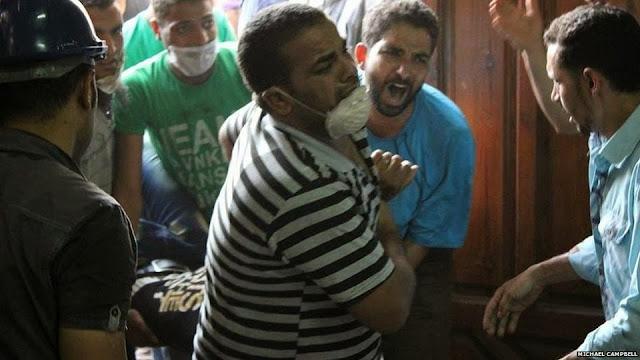 صور تُنشر لأول مرة لأحداث ميدان الجيزة ونفق الهرم أثناء مذبحة الفض 1476431_10202609930269897_1656694765_n
