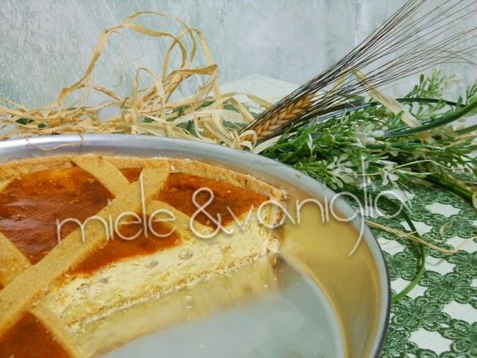 pastiera napoletana con il maltitolo senza canditi e senza l'acqua di fior d'arancio.