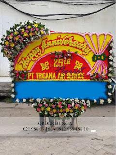 bunga papan ucapan pernikahan, bunga papan ucapan ucapan congratulations, bunga papan ucapan selamat dan sukses, bunga papan murah, bunga papan bebas biaya antar wilayah jakarta