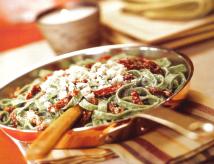 Fettuccine gorgonzola con tomate