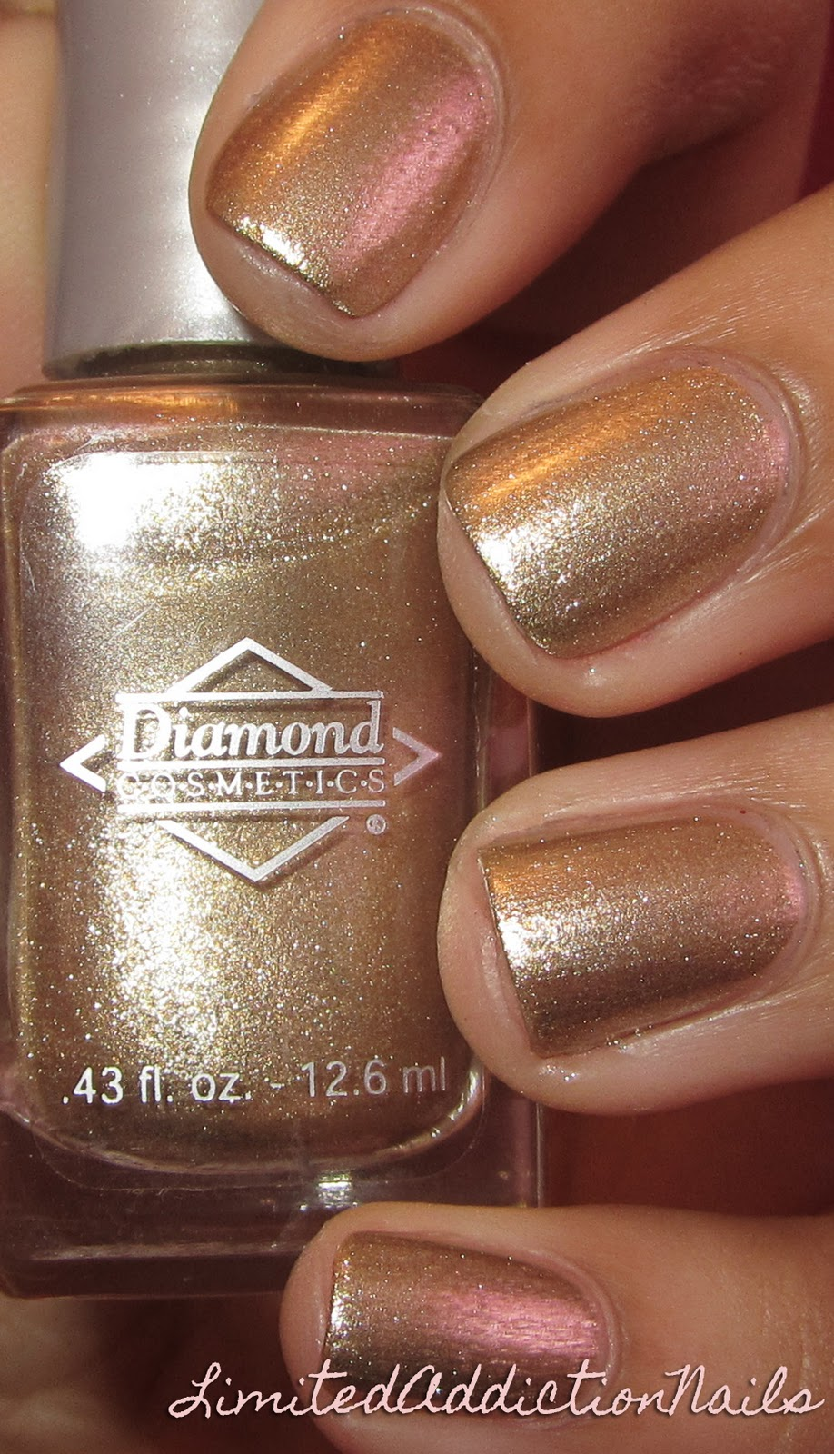 LimitedAddictionNails: Diamond Cosmetics - Gold Foil