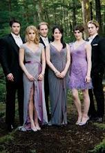 Carlisle y Esme, Rosalie y Emett, Alice y Jasper (familia Cullen)
