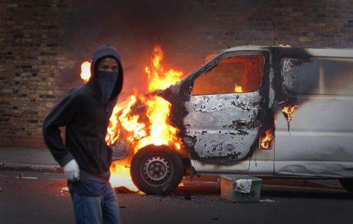 foto-kerusuhan-london-inggris-2011-21