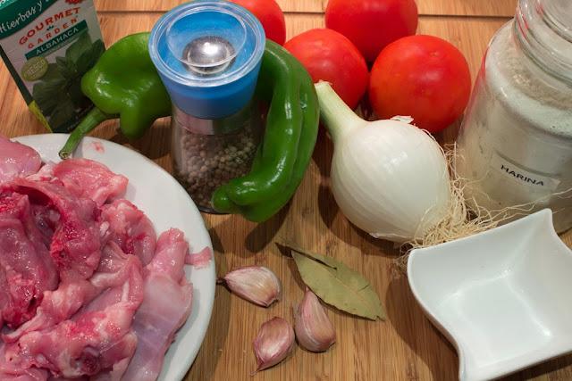 ingredientes de Conejo a la albahaca