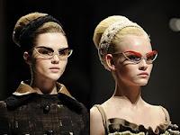 Óculos Gatinho Prada