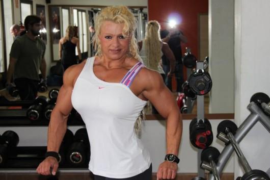 fille bodybuild