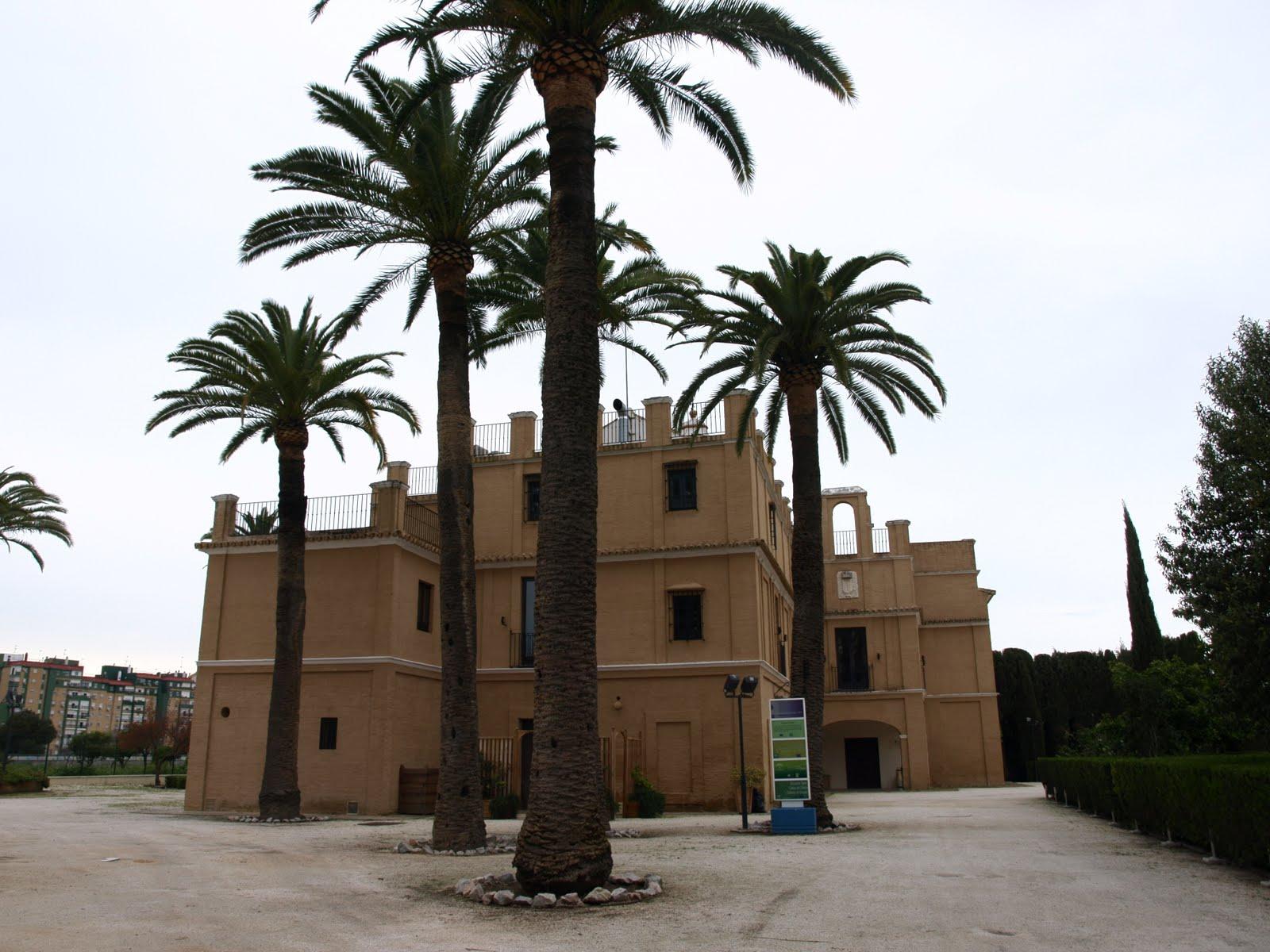 Sevilla daily photo la hacienda su eminencia - Hacienda la boticaria sevilla ...
