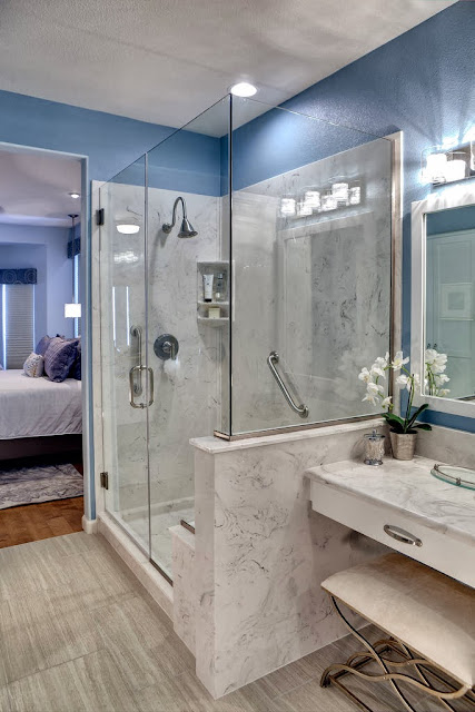 marble material shows luxury and modern twist in this master bathroom