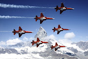 Six Northrop F5E Tiger II of the Patrouille Suisse