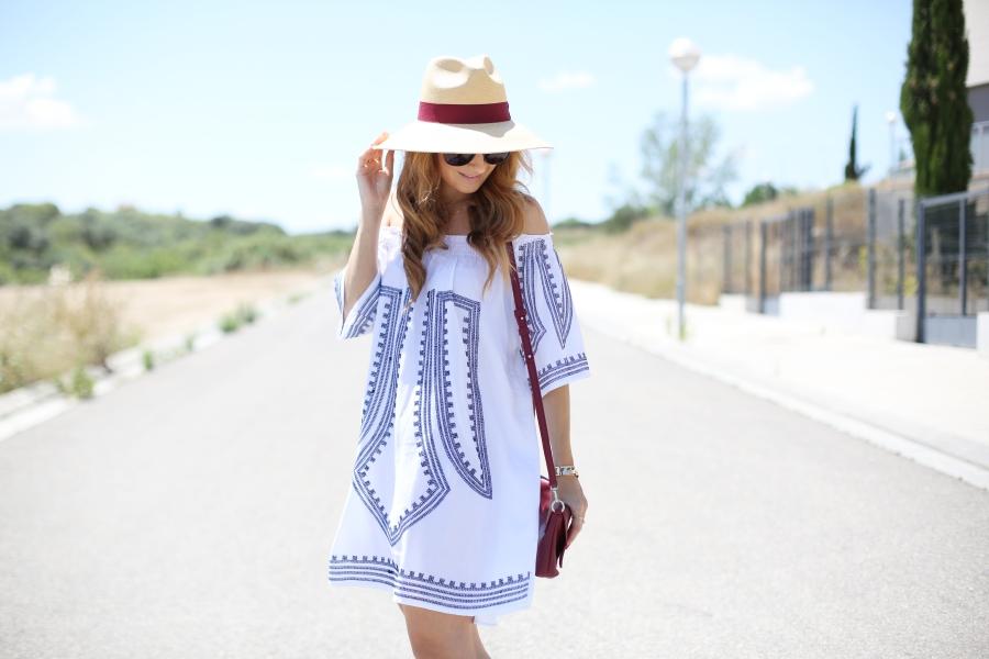 A trendy life. Fashion blogger.