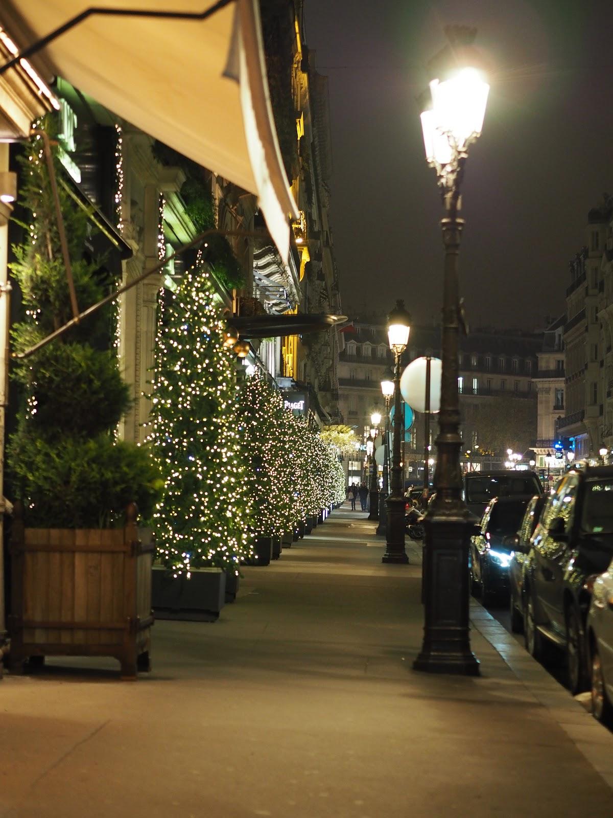 Paris Street at Christmas