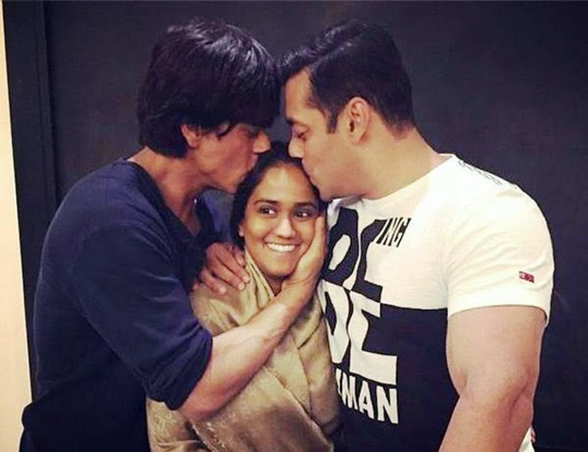 Expensive Wedding Gift For Sister : Shahrukh Khan Give Most Expensive Gift To Arpita On Her Wedding - See ...