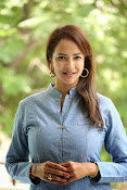 Lakshmi manchu new photo shoot-thumbnail-14