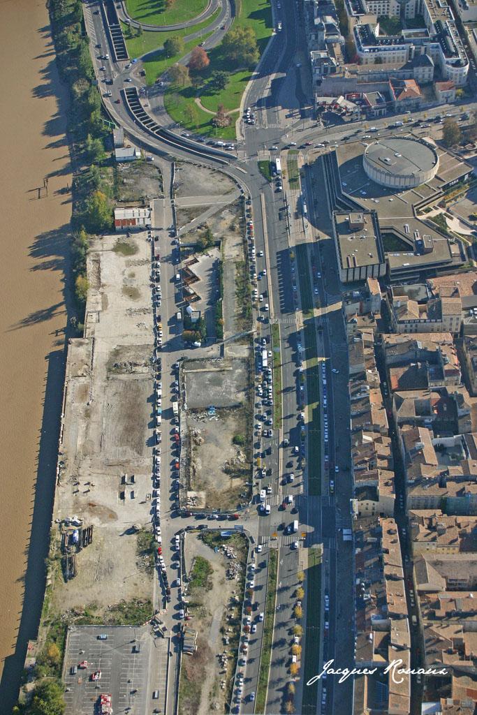 Bordeaux photo a rienne la france vue du ciel bordeaux bouge la preuve par 8 ann es - La table du quai bordeaux ...