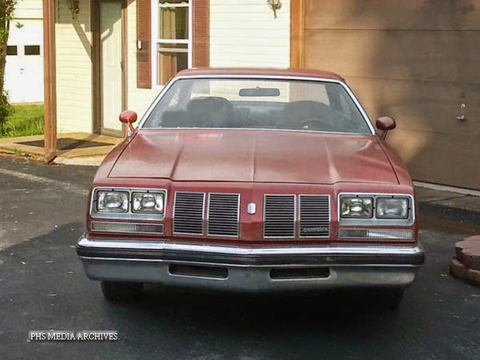 Year in review 1977 olds cutlass 442 phscollectorcarworld for 77 cutlass salon for sale
