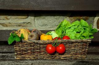 Bolehkah Ibu Hamil Makan Sayuran Mentah?