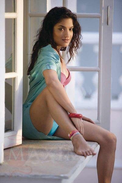 HOT NAKED GIRLS: Sexiest Sandhya Mridul Hot Beach Babe