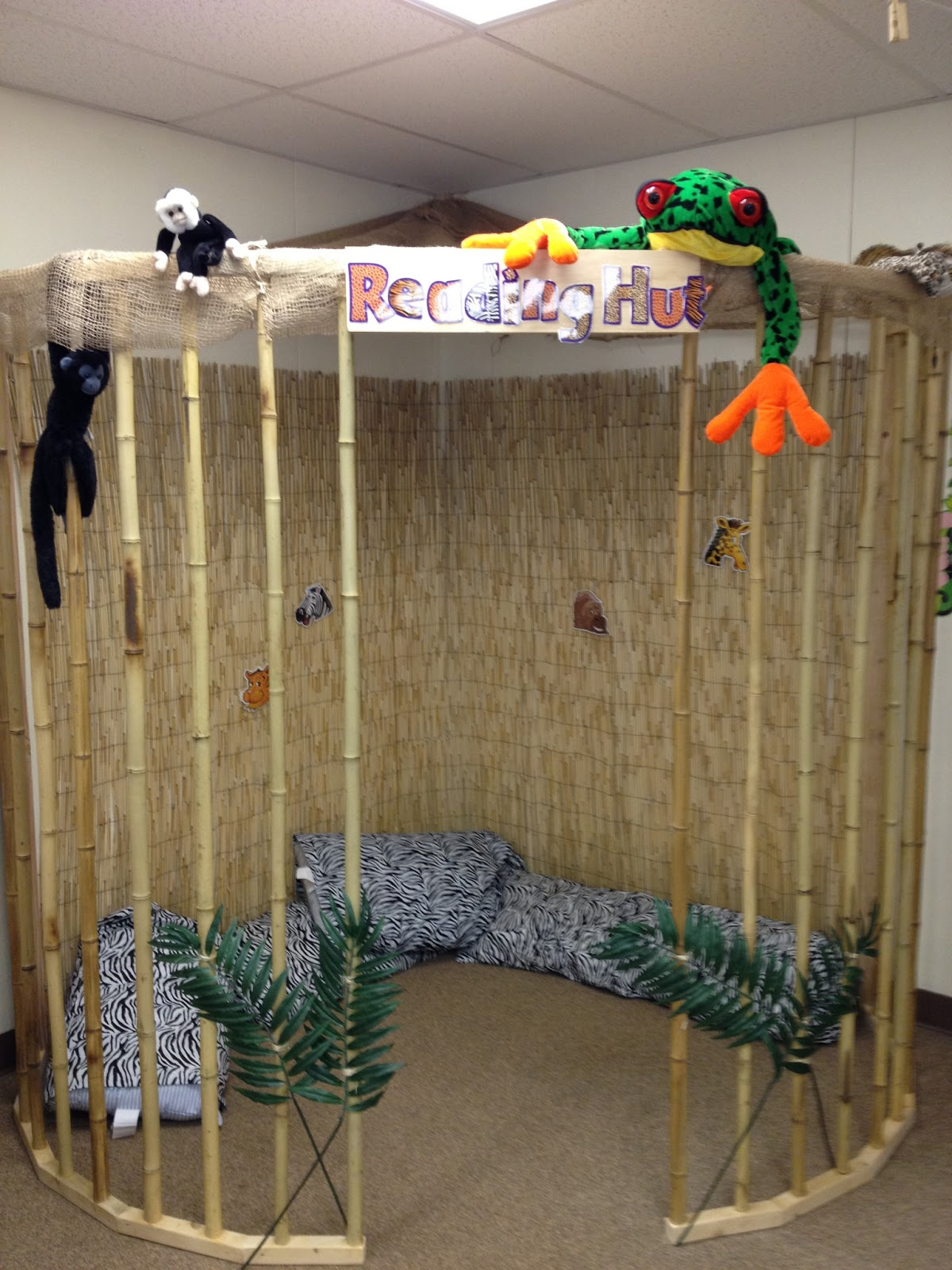 Classroom Zoo Ideas ~ Pre k possibilities my jungle classroom