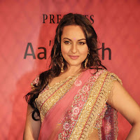 Gorgeous sonakshi in saree