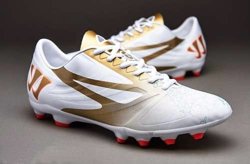Warrior football boots Superheat Sentry AG