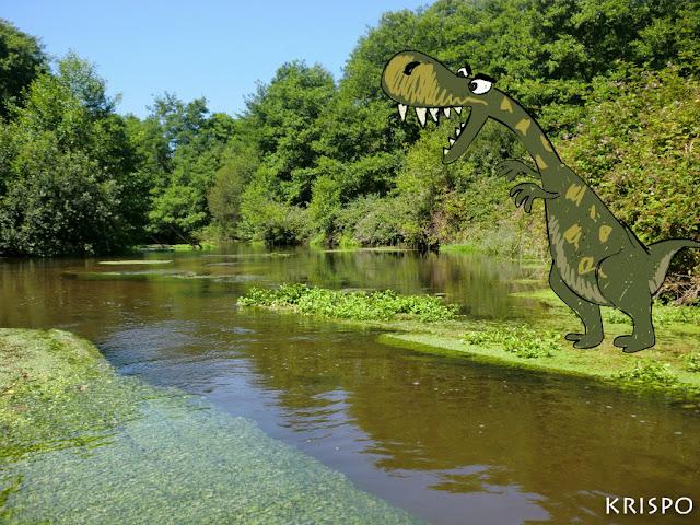 dinosaurio pintado en el lago leon