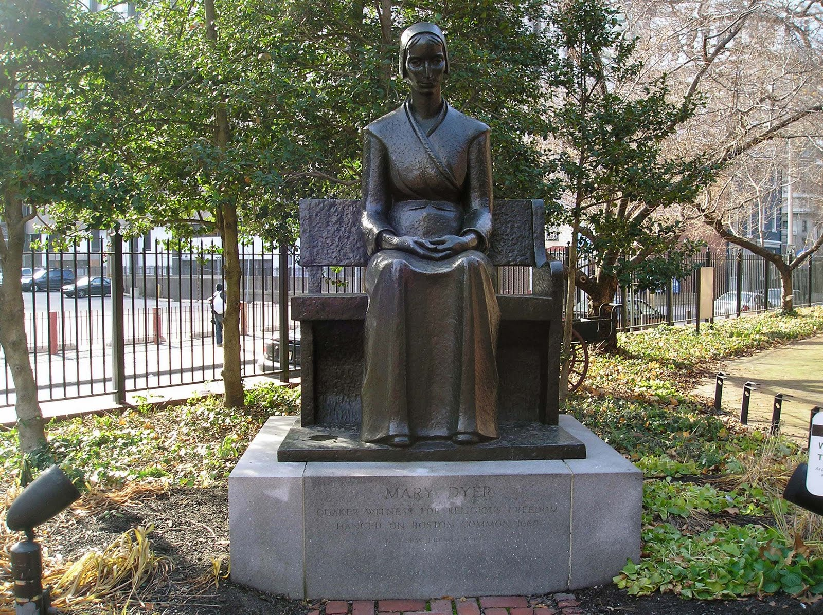 mary dyer Mary dyer mary barrett dyer (1611 – 1660) was an english puritan turned quaker who was hanged in boston, massachusetts for repeatedly defying a law banning quakers from the colony.