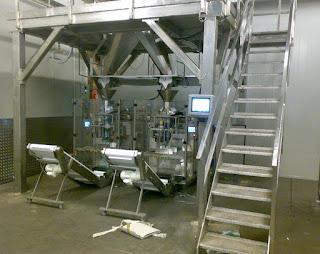 Vertical Screw weighing package machinery with Computer scale&Verpackungsmaschinen für Schrauben