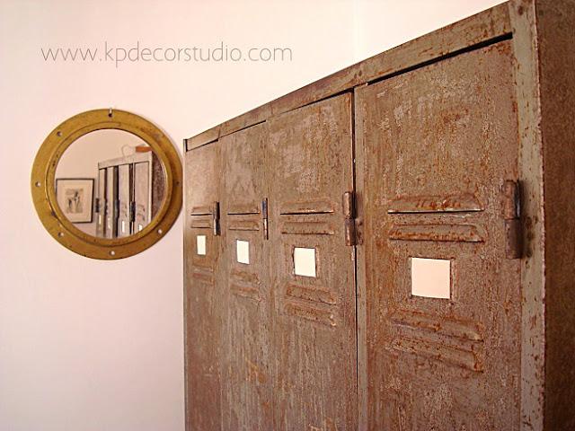 Venta taquillas industriales en valencia. Taquilla metálica vintage antigua para decoración
