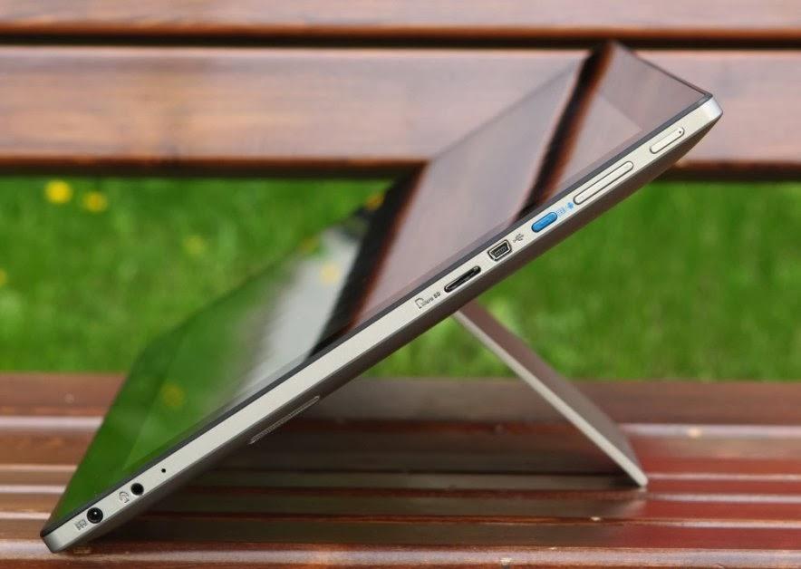 порты на правой стороне планшета ASUS P1801