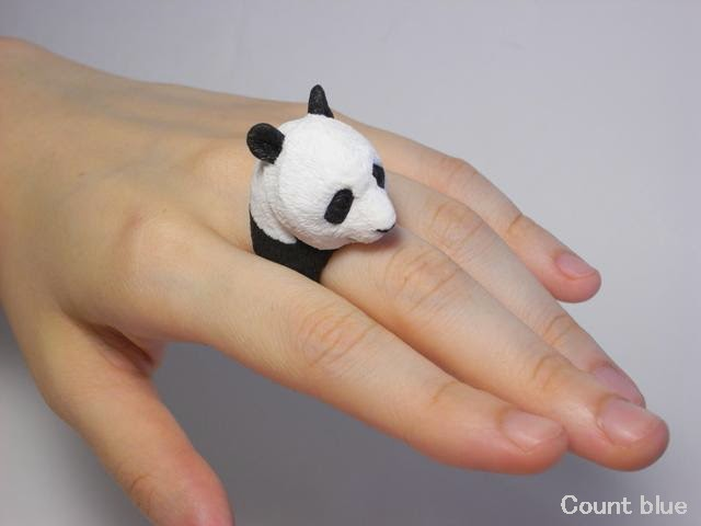 02-Panda-Giant-Jiro-Miura-Count-Blue-www-designstack-co