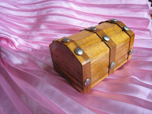 Wooden Jewelry Box, Ifugao Carving, Philippines