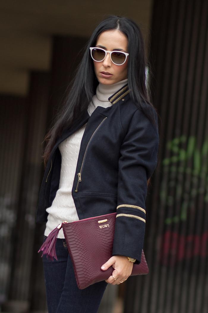 Look con cuaqueta militar estilo chic con jeggins Blog de moda español tendencias