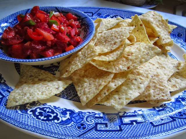 strawberry salsa and chips