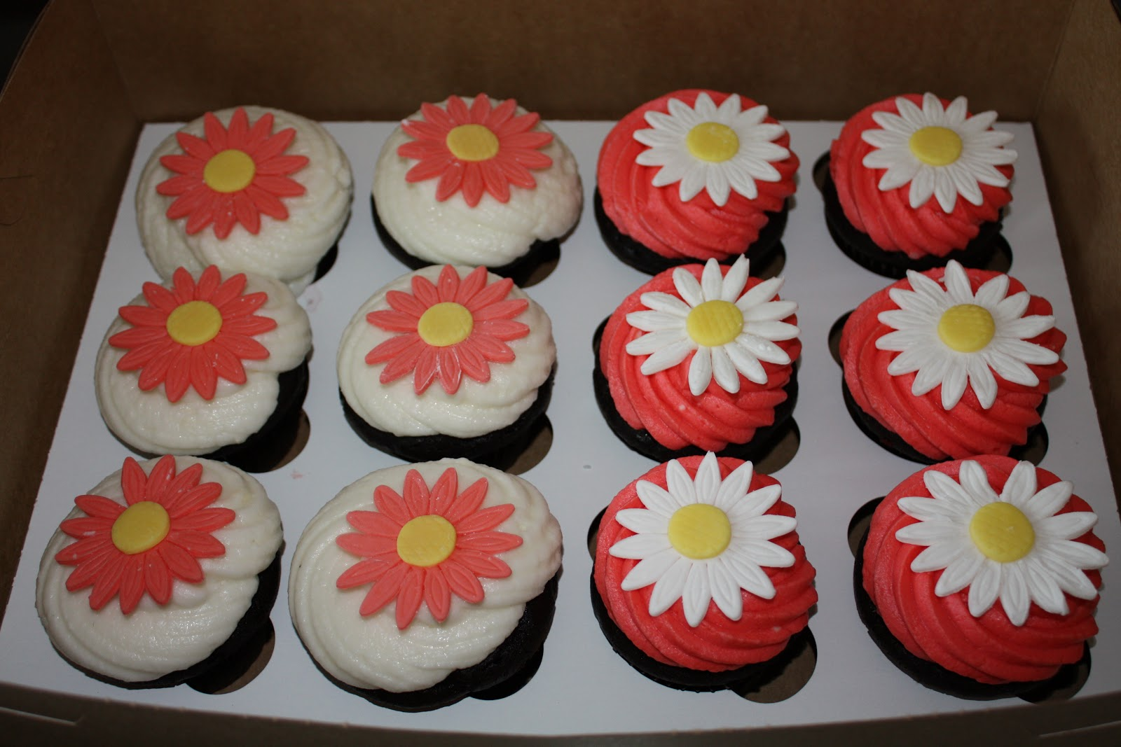 Two Sweet Bakery Daisy bridal shower cupcakes