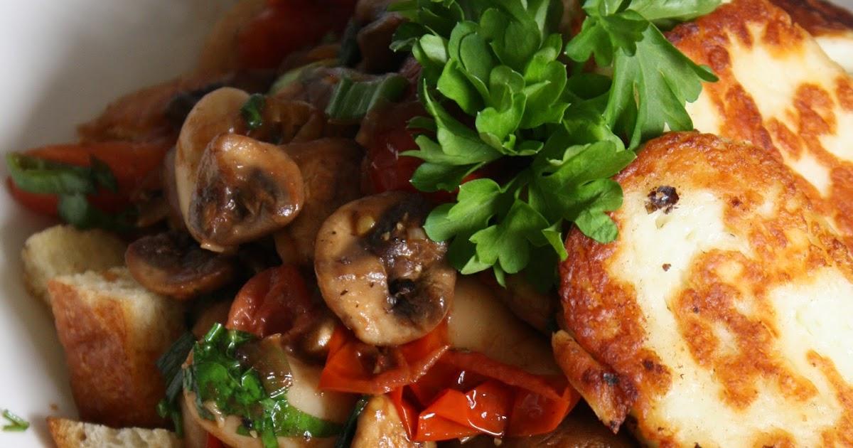 Cebicin keittiössä Lämmin sieni papusalaatti ja halloumia